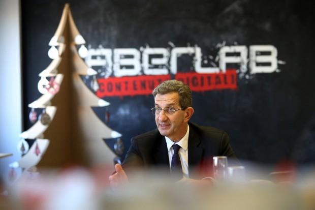 tradate - conferenza presidente galli al faberlab